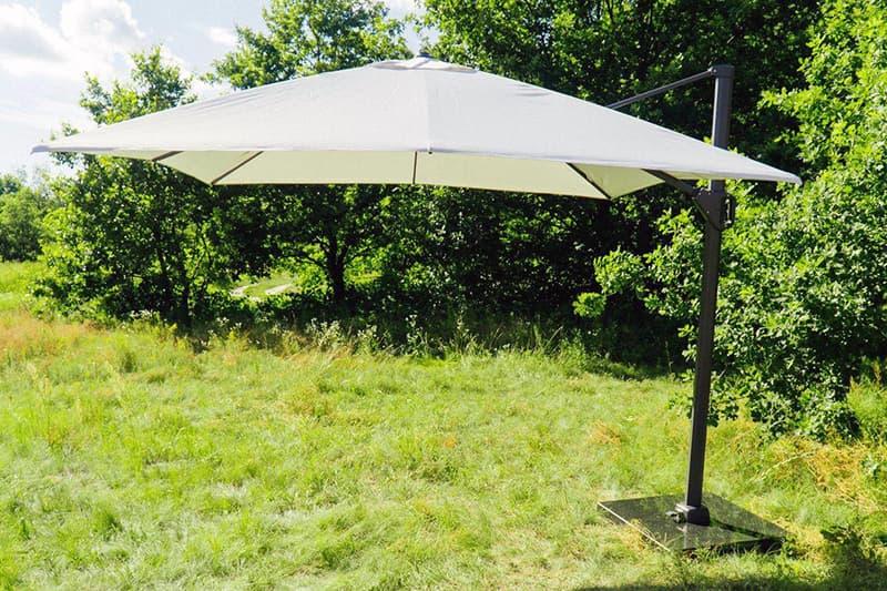 Большой зонт для дачи или дома