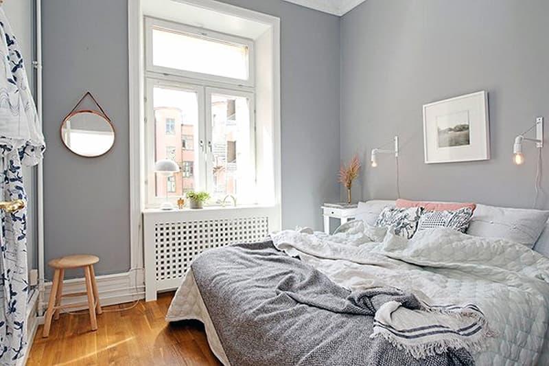 Пример покраски стен и потолка в спальной комнате