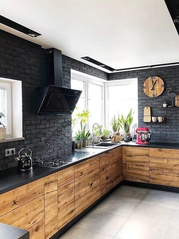 Практичный декор для стен кухни