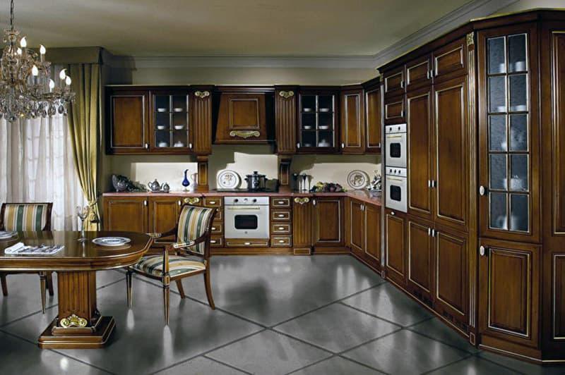 Пример обустройства кухни в коричневом цвете