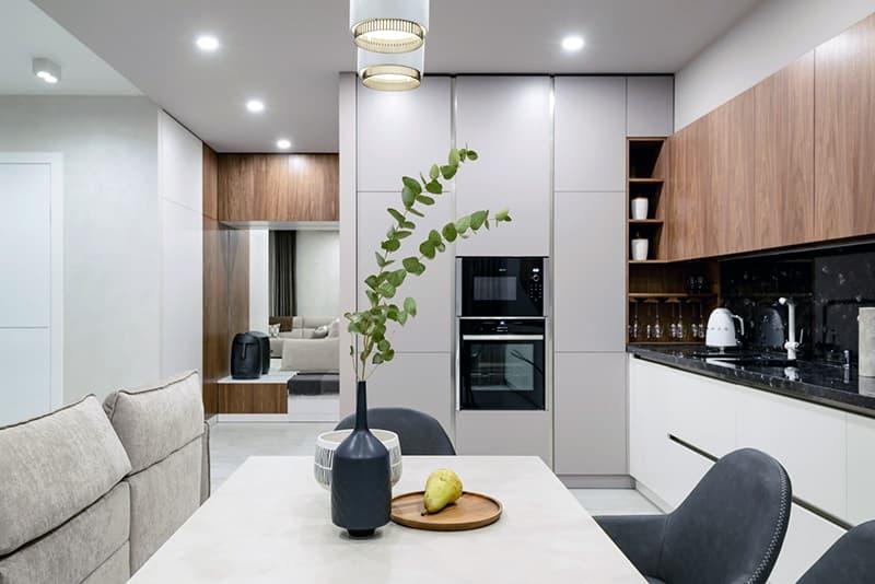Яркое освещение для кухни