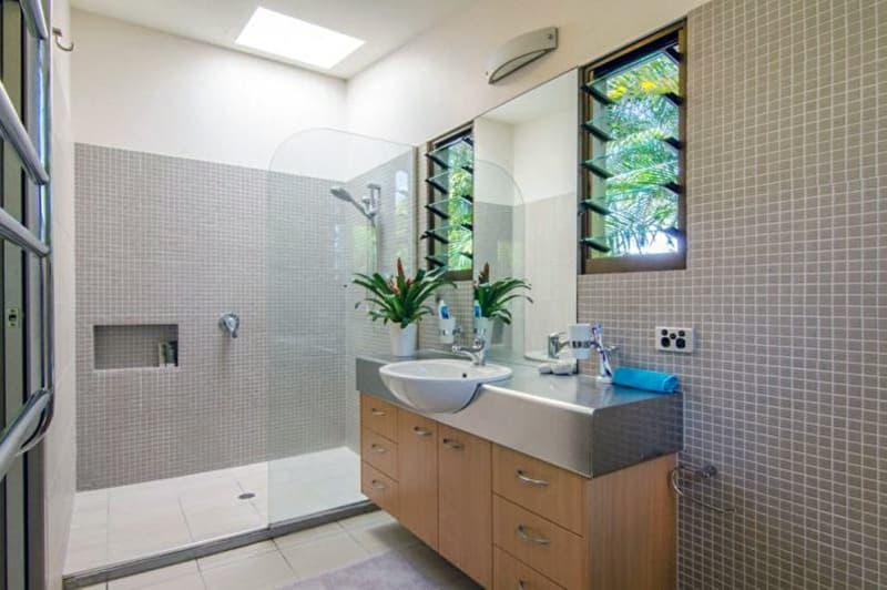 Дизайн ванної кімнати з мозаїчною плиткою