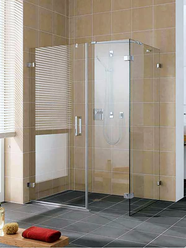 Приклад душової кабіни без піддону