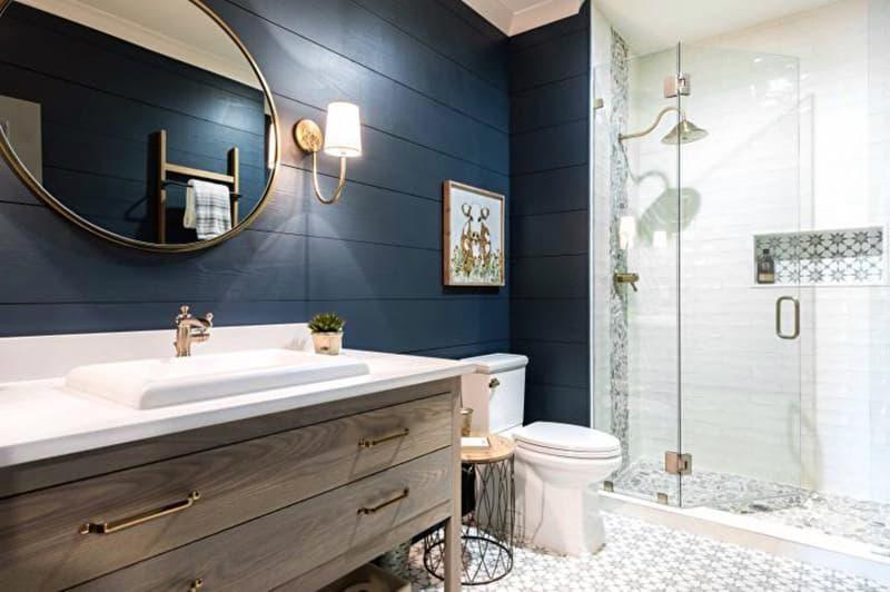 Пример душевой кабины в ванной комнате со стилем кантри