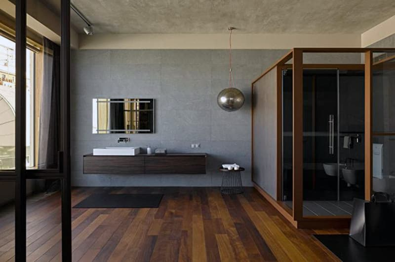 Реальный дизайн ванной комнаты с имитацией дерева