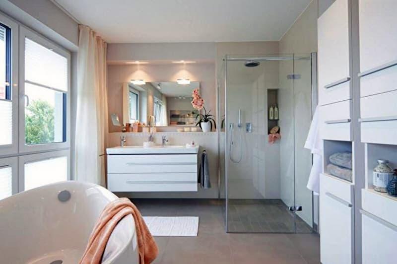 Реальний дизайн ванної кімнати з відкритою душовою кабіною