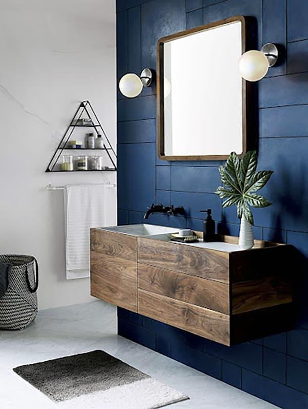 Ванная комната в синих цветах