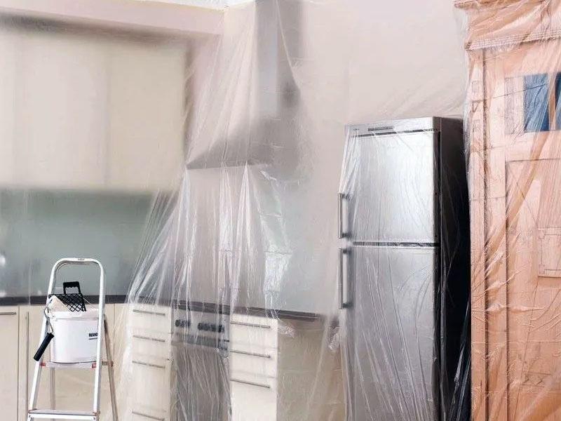 Защита мебели и техники во время ремонта